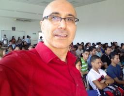 Lanzamiento de la novela CASINO, en CEUTEC, por el escritor PATRICIO MILAD 11