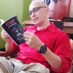 Novela distópica FUEGO, del escritor chileno Patricio Milad. Entrevista de Carlos Molina. EL CEIBEÑO 1